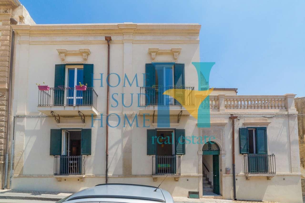 Stabile / Palazzo ristrutturato arredato in vendita Rif. 8162504