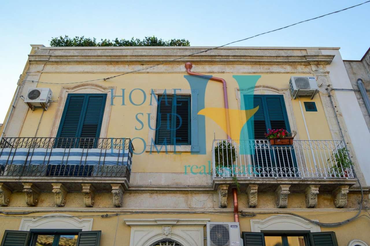 Stabile / Palazzo in ottime condizioni arredato in vendita Rif. 8162514