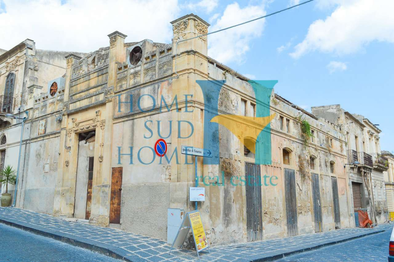 Stabile / Palazzo in vendita Rif. 8114469