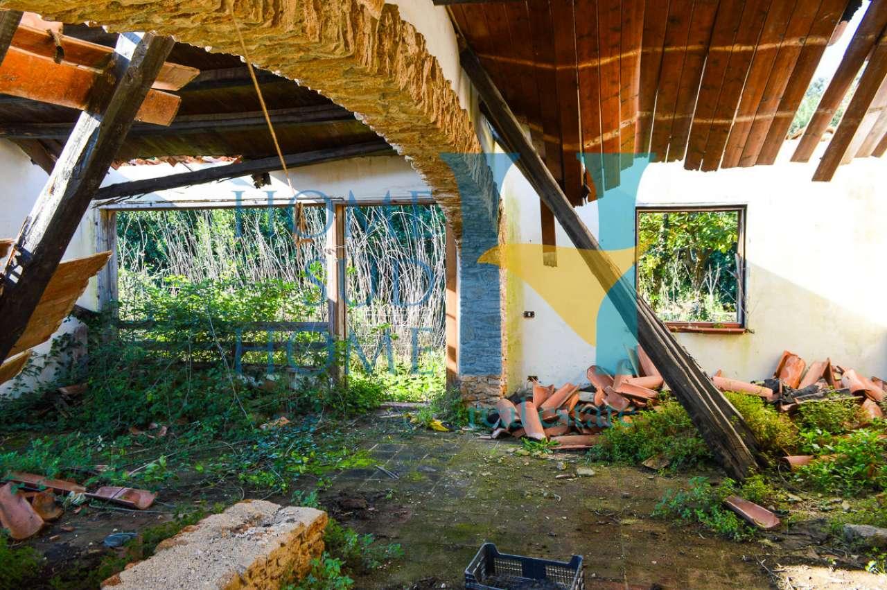 Rustico / Casale da ristrutturare in vendita Rif. 8888813