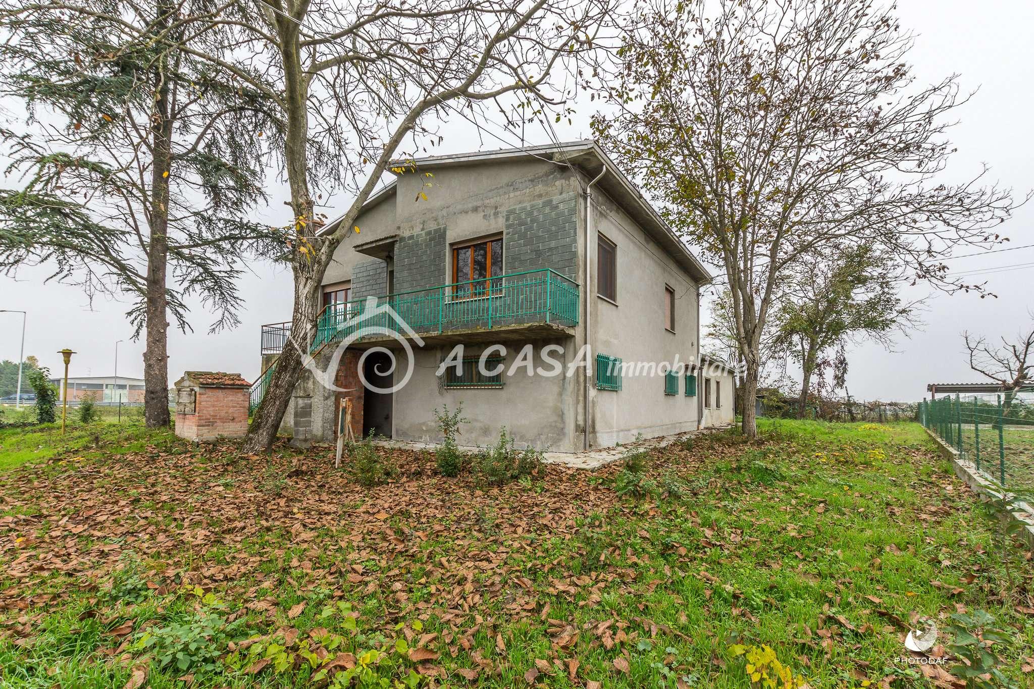 Villa da ristrutturare in vendita Rif. 8049293