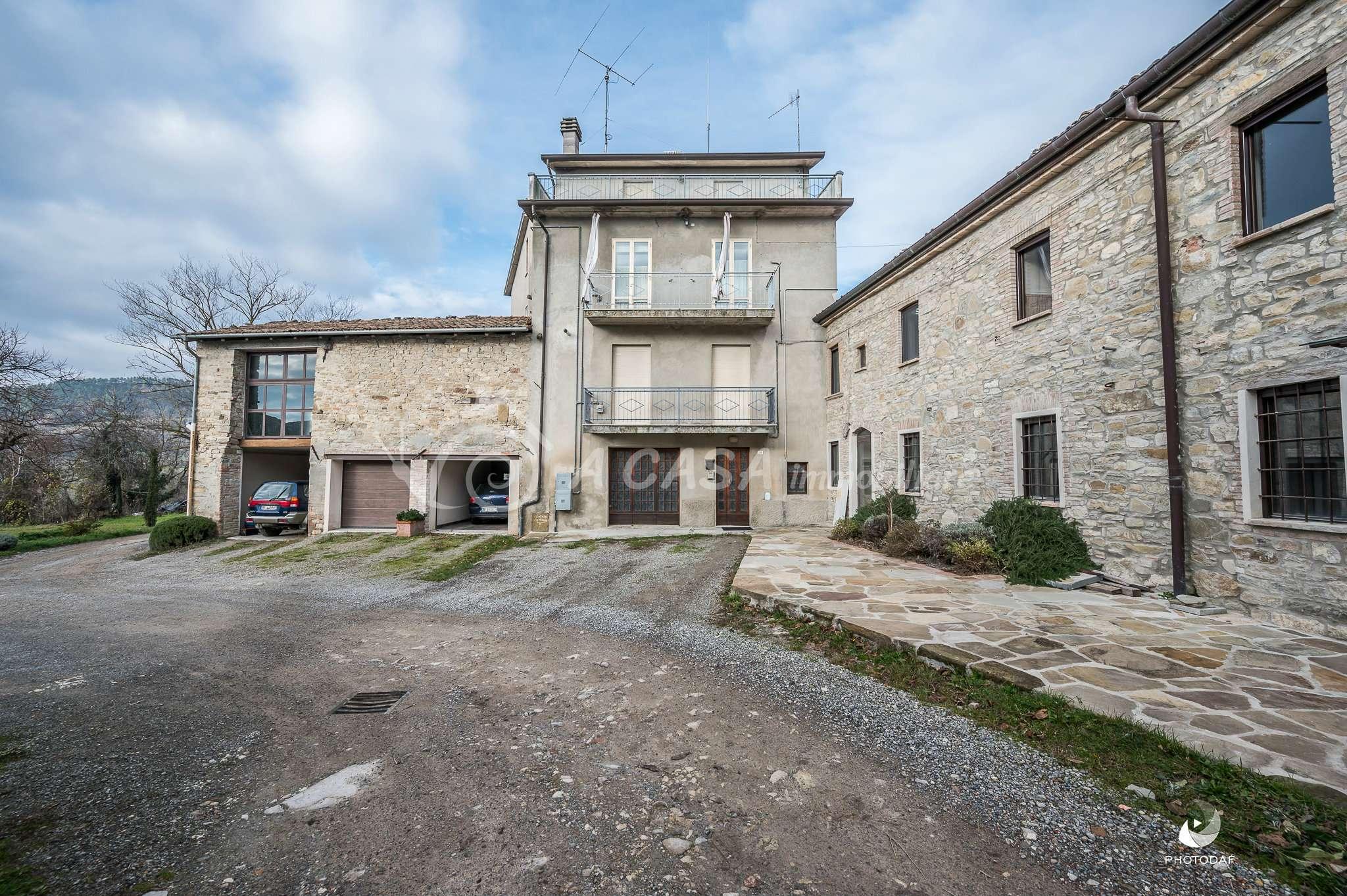 Appartamento in vendita a Langhirano, 3 locali, prezzo € 39.000 | CambioCasa.it
