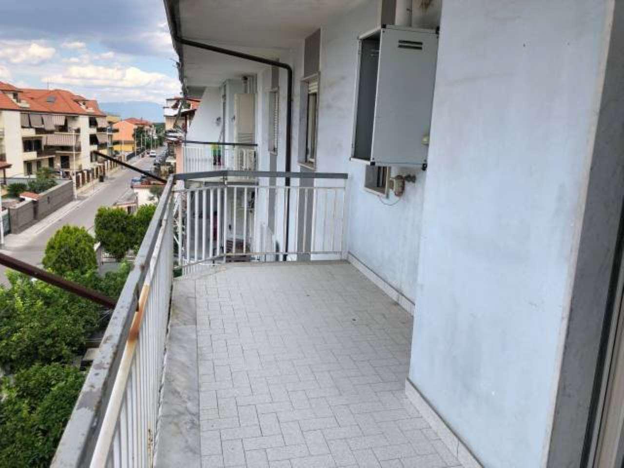 Appartamento in buone condizioni in vendita Rif. 7893794