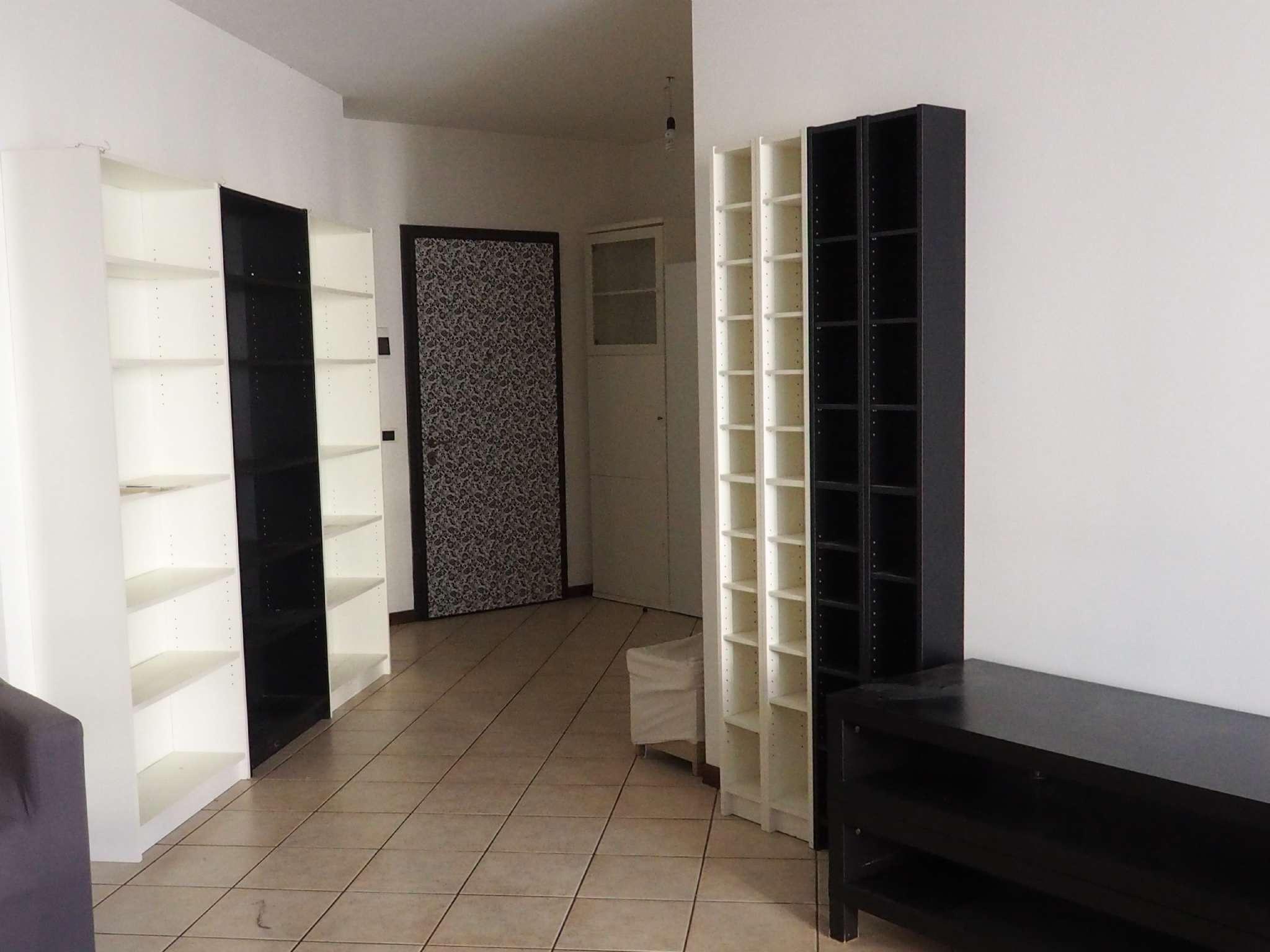 Appartamento in ottime condizioni arredato in affitto Rif. 8819889