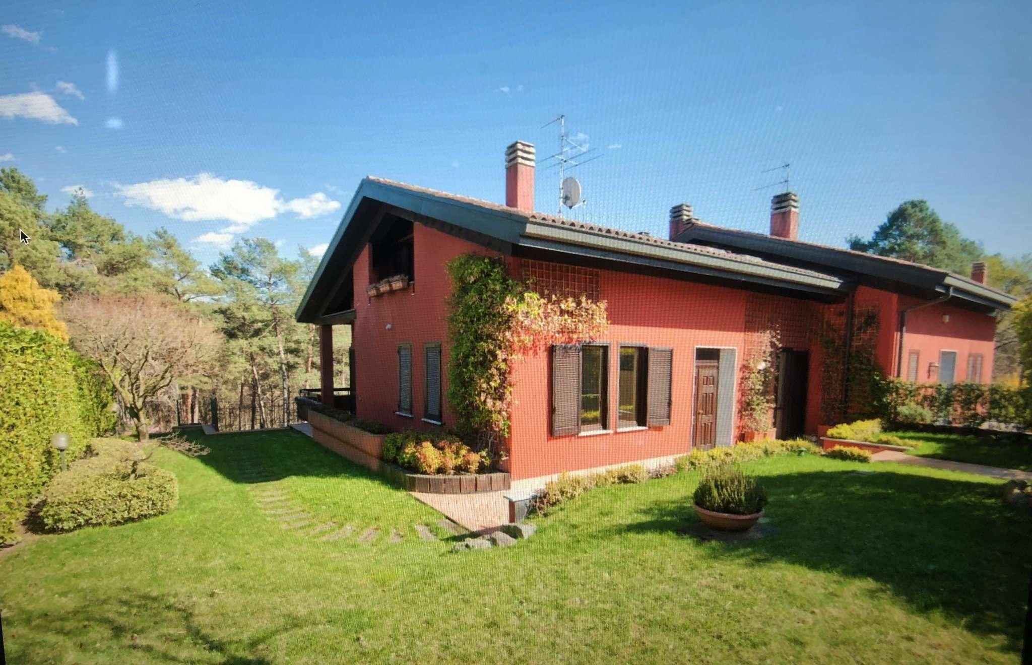 Villa in vendita a Carbonate, 17 locali, prezzo € 640.000 | PortaleAgenzieImmobiliari.it