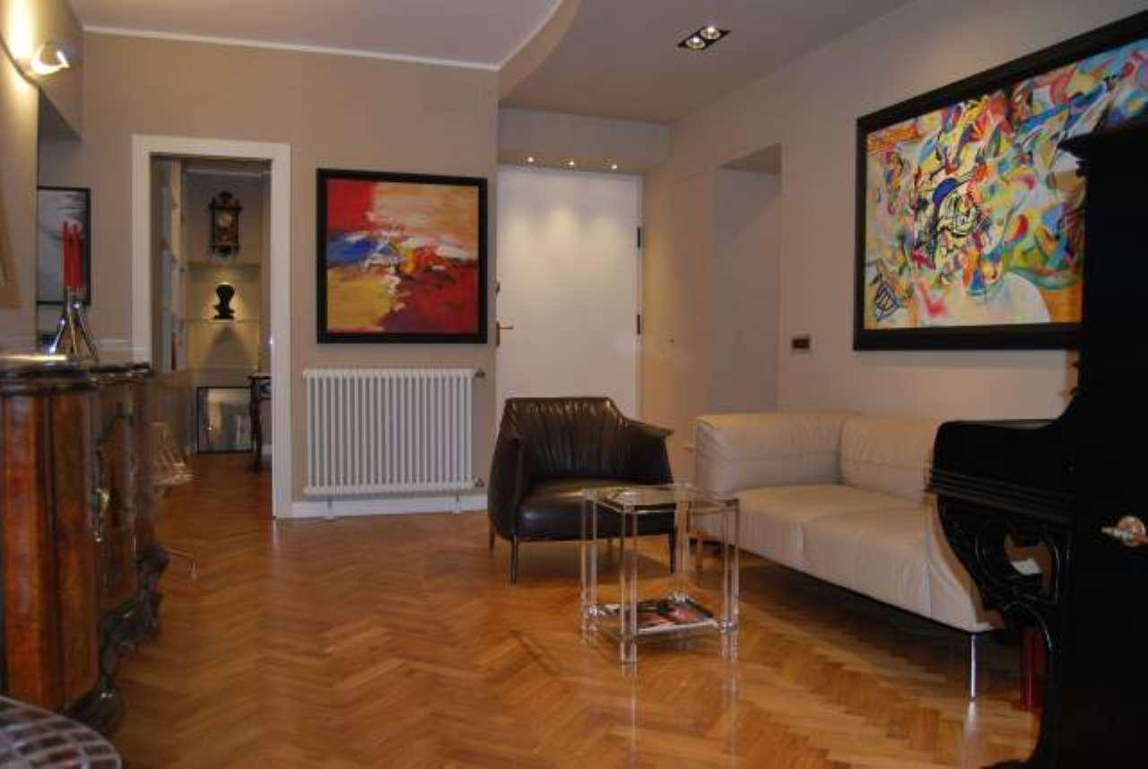 Appartamento in ottime condizioni parzialmente arredato in vendita Rif. 8524918