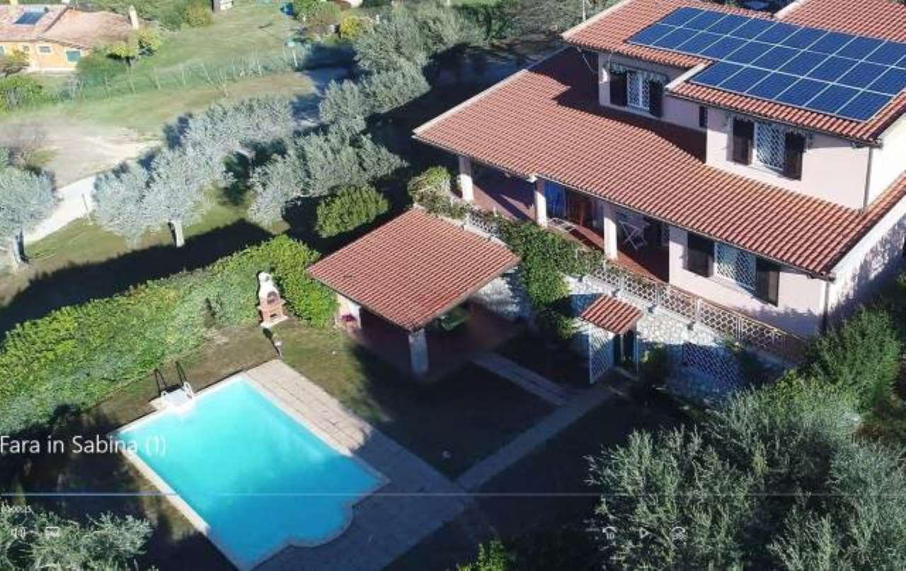 Villa in buone condizioni in vendita Rif. 8914475