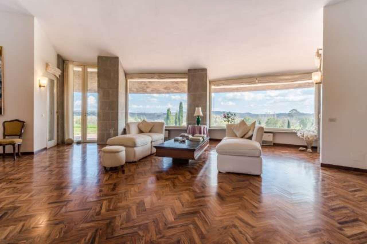 Villa in buone condizioni in vendita Rif. 8914477
