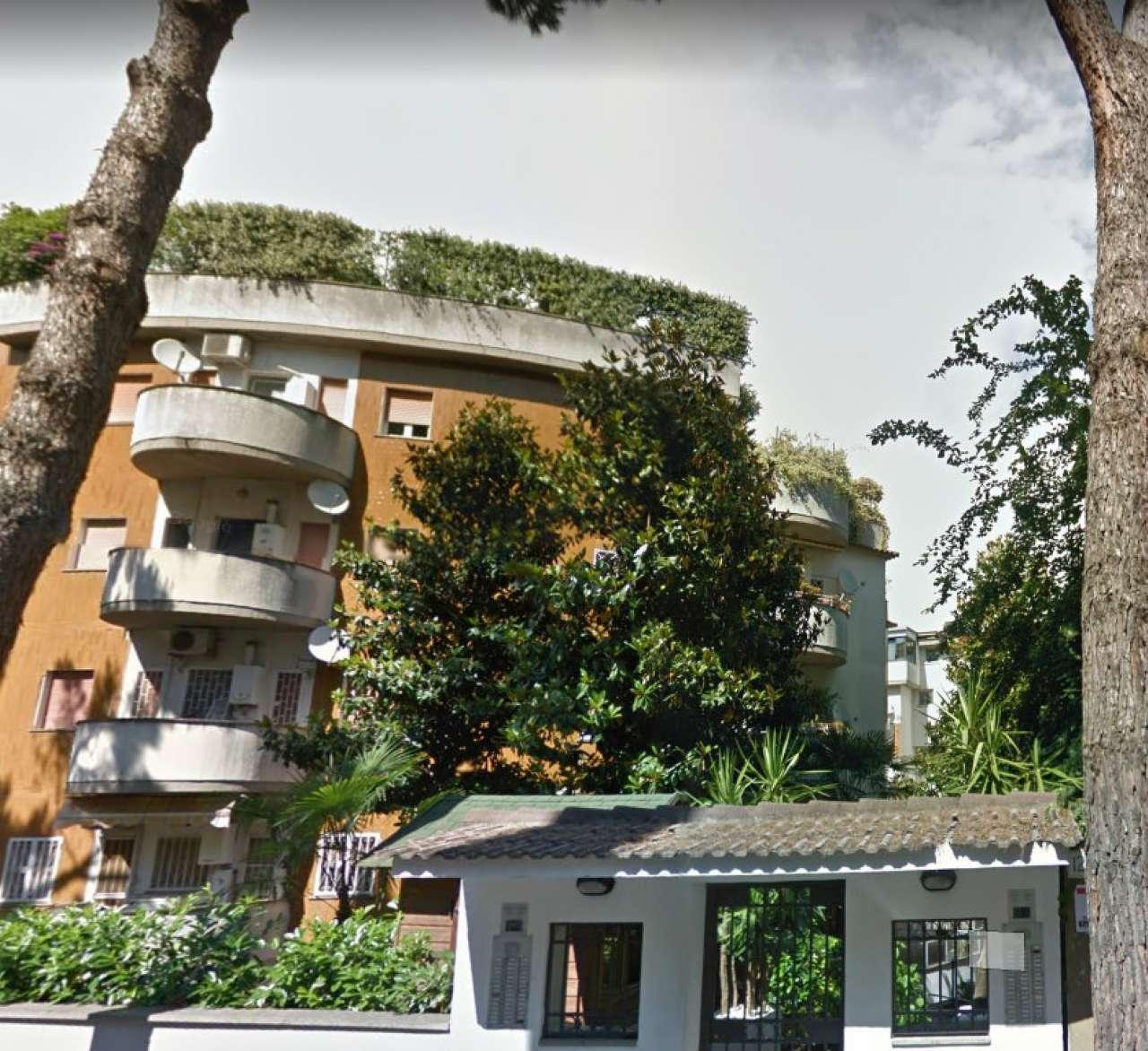 Appartamento in buone condizioni in vendita Rif. 8914481