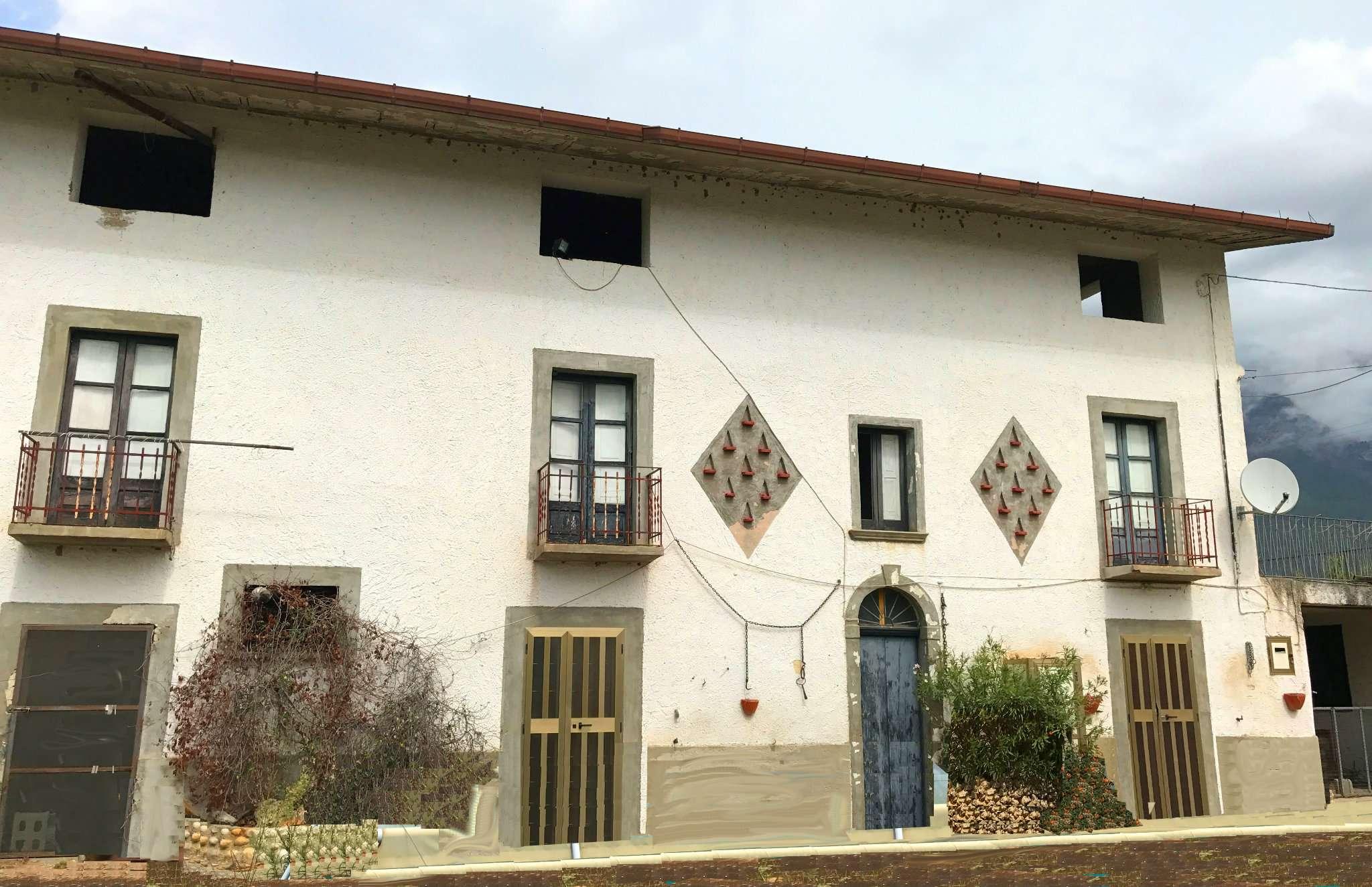Rustico / Casale da ristrutturare in vendita Rif. 9293096