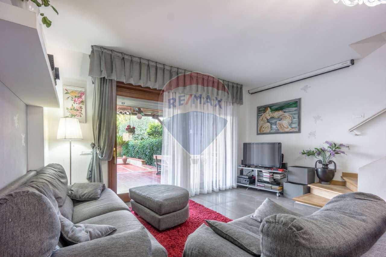 Villetta a schiera ristrutturato in vendita Rif. 9470997