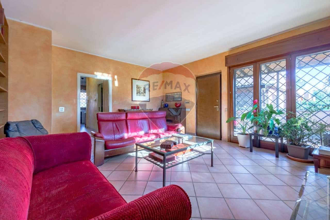 Villetta a schiera in buone condizioni in vendita Rif. 9471005