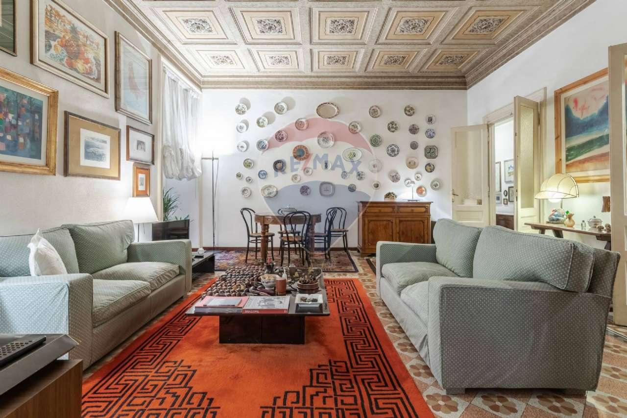 Appartamento in vendita a Roma, 4 locali, zona Zona: 25 . Trastevere - Testaccio, prezzo € 770.000 | CambioCasa.it