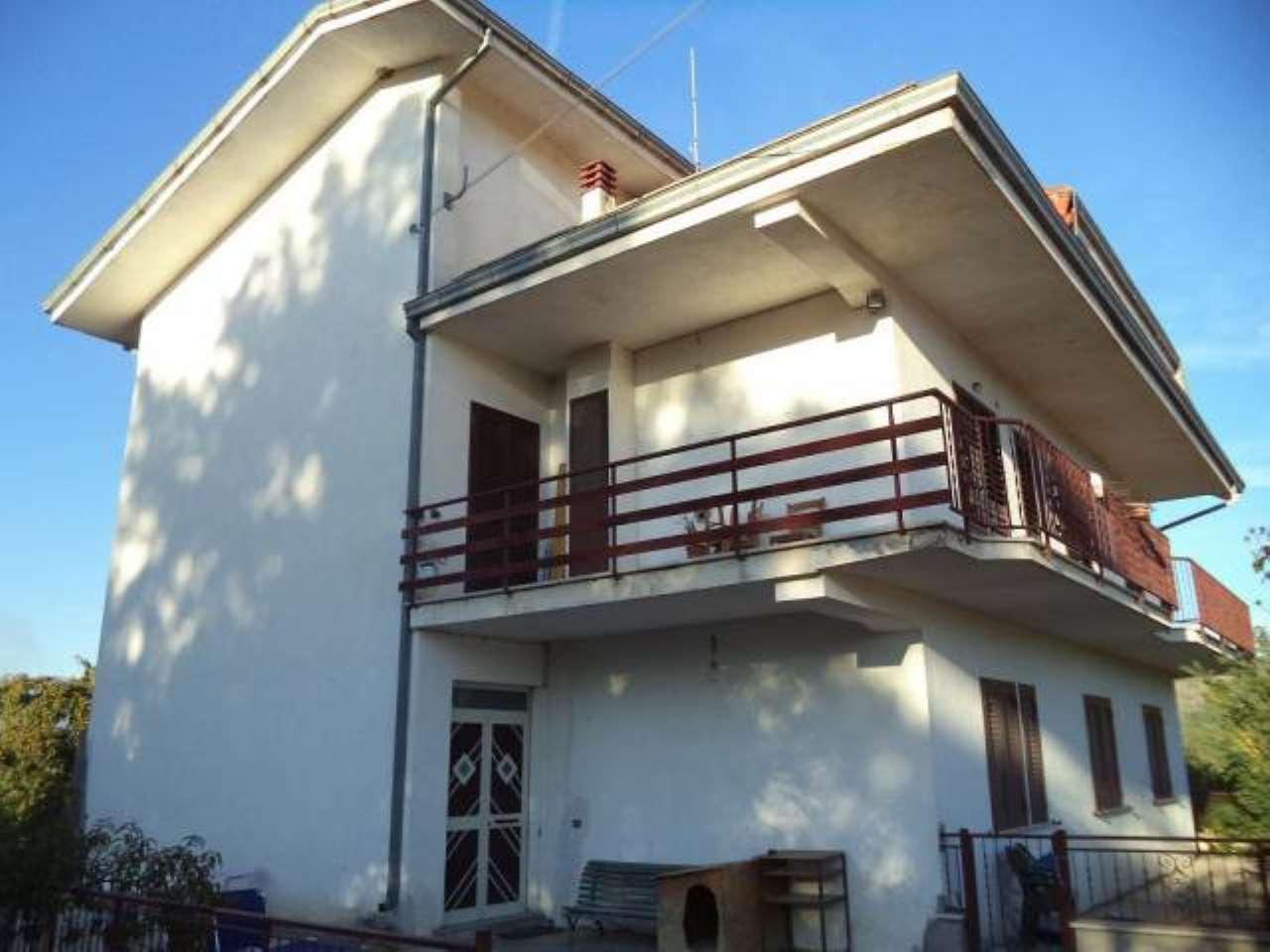 Villa in vendita a Arce, 6 locali, prezzo € 178.000 | CambioCasa.it