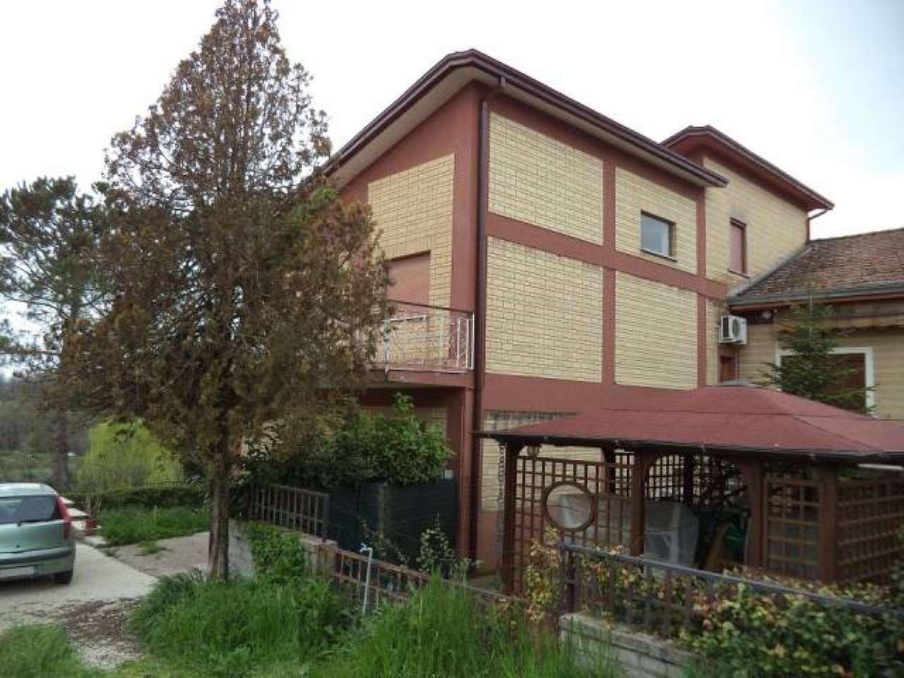 Villa in vendita a Arce, 6 locali, prezzo € 119.000 | CambioCasa.it