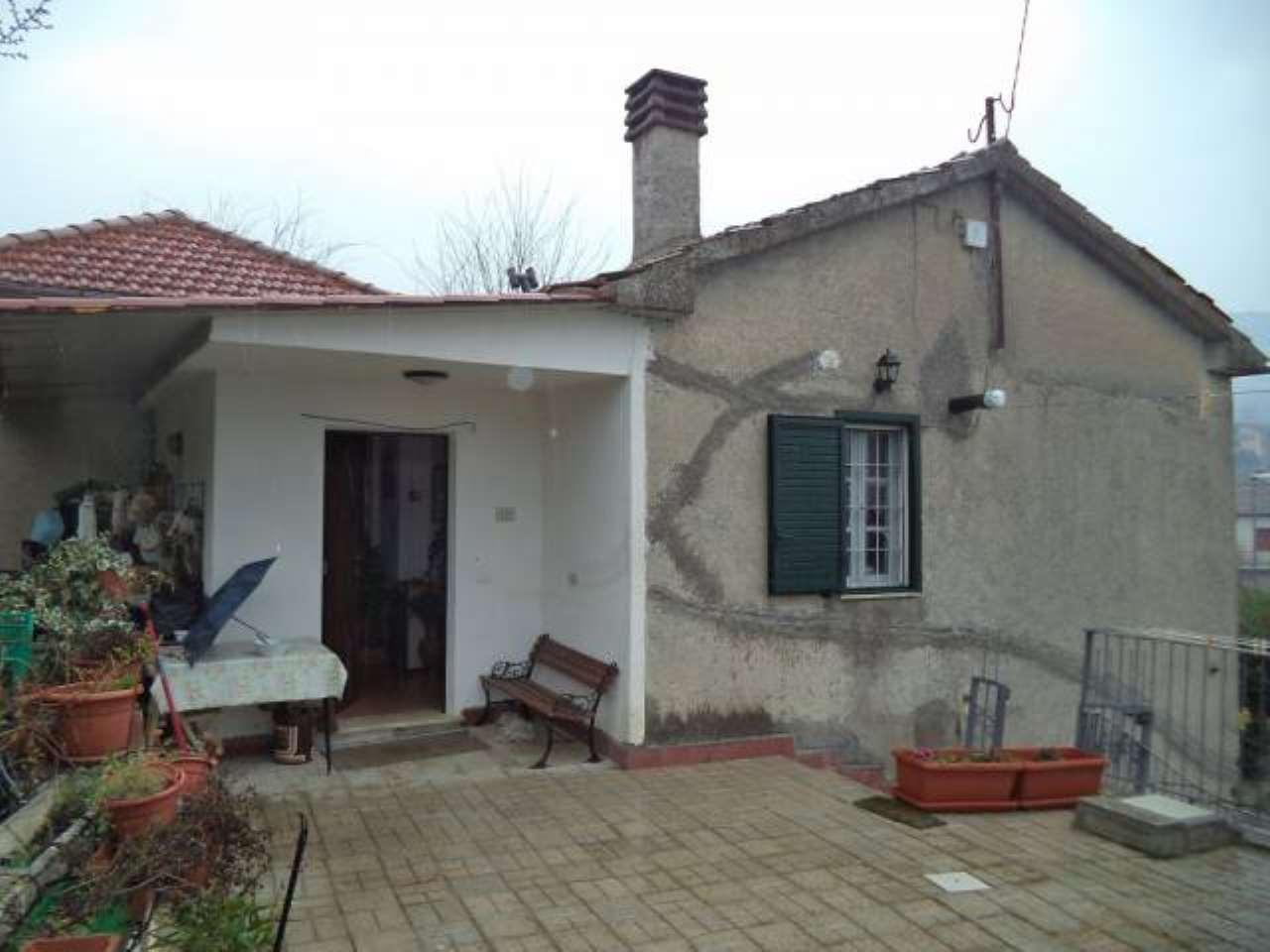 Villa in vendita a Colfelice, 3 locali, prezzo € 59.000 | CambioCasa.it
