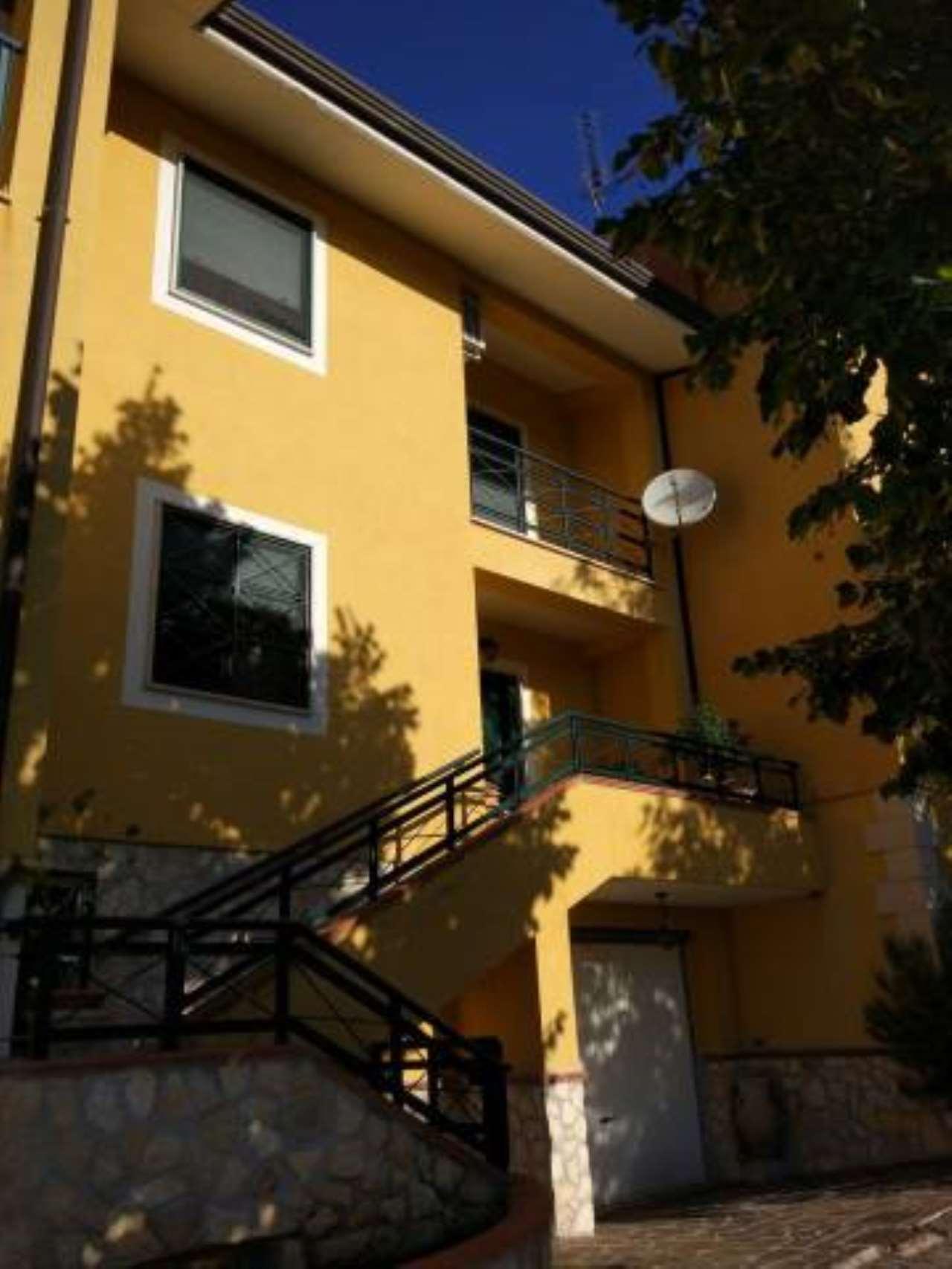 Villa a Schiera in vendita a Arce, 3 locali, prezzo € 169.000 | CambioCasa.it