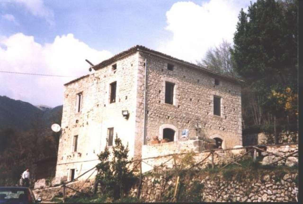 Rustico / Casale in vendita a Colle San Magno, 6 locali, prezzo € 350.000 | CambioCasa.it