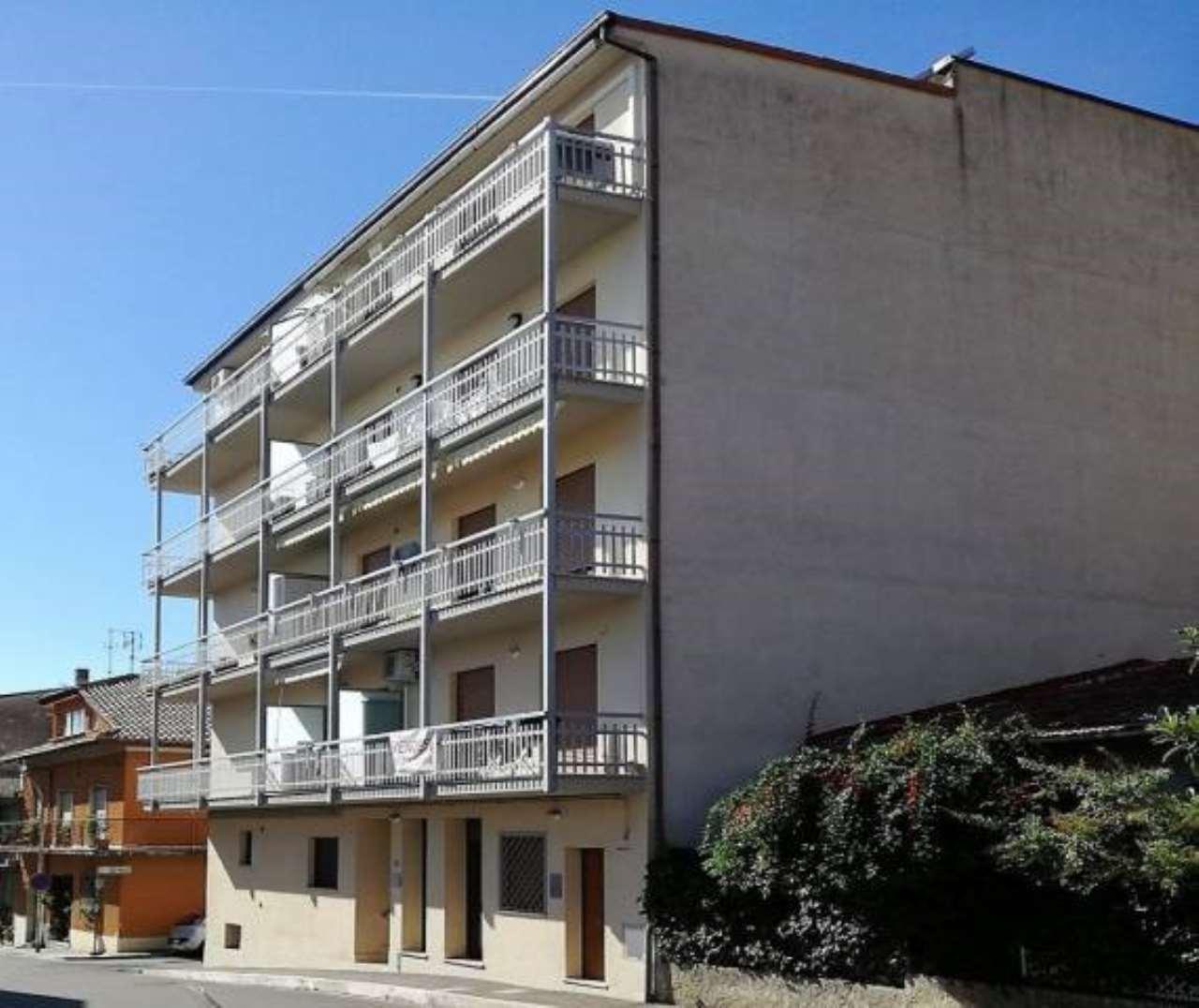Appartamento in buone condizioni in vendita Rif. 8612375