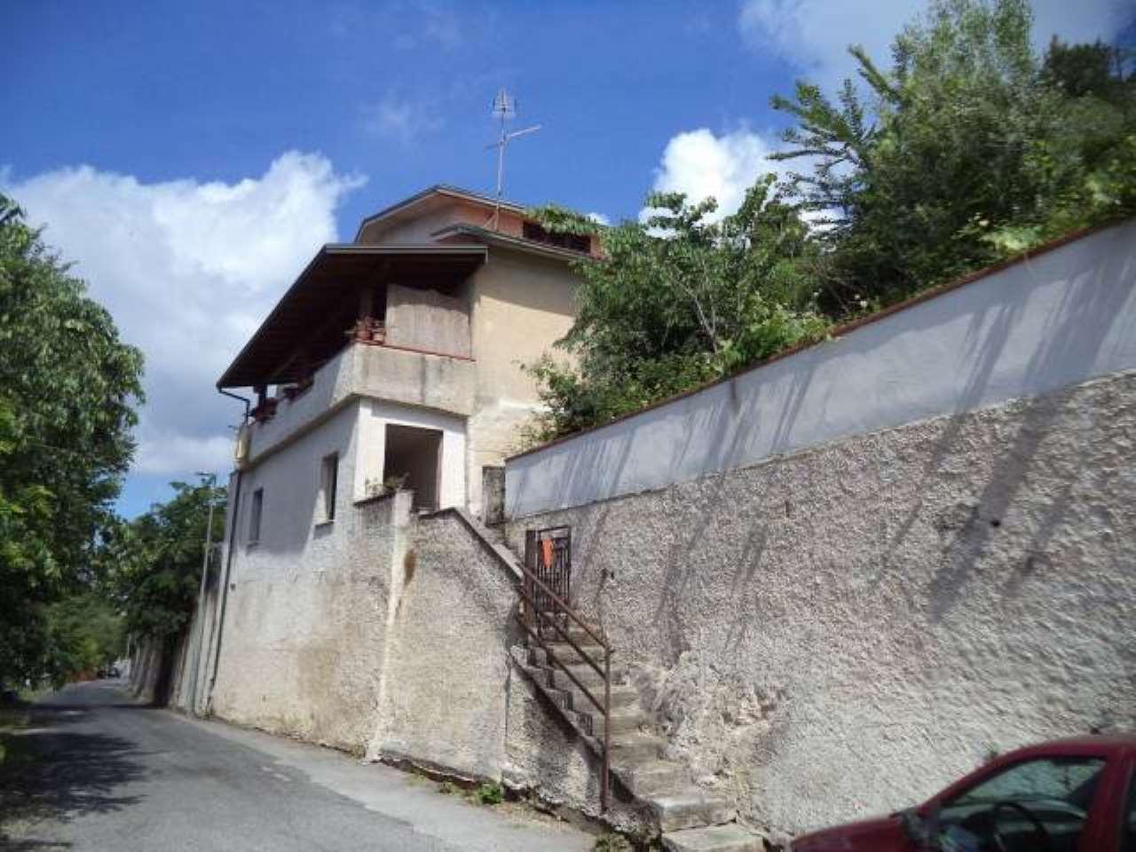 Villa in vendita a Arce, 3 locali, prezzo € 75.000 | CambioCasa.it