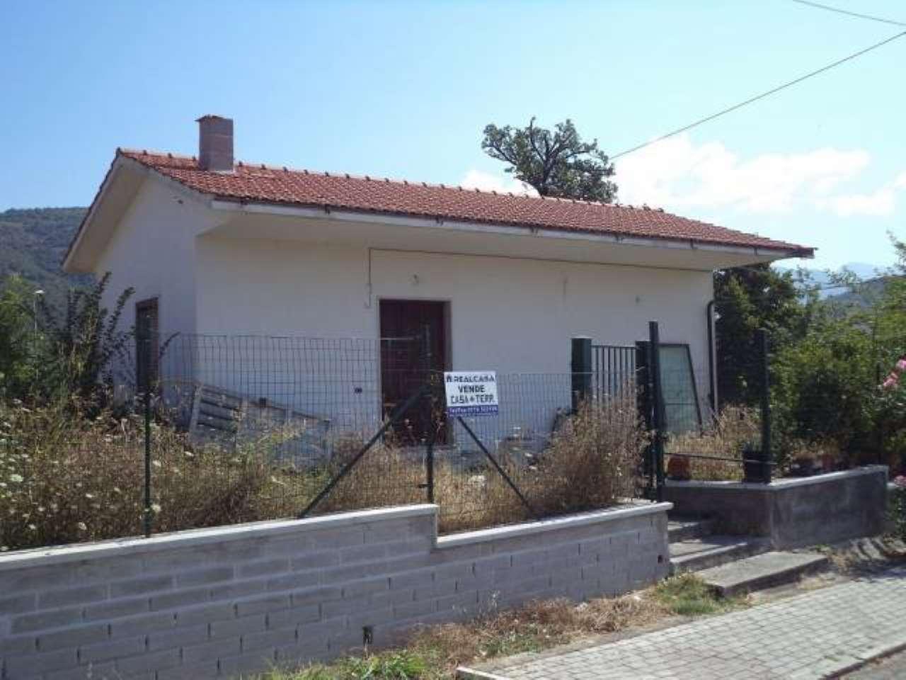Villa in vendita a Colfelice, 9999 locali, prezzo € 97.000 | CambioCasa.it
