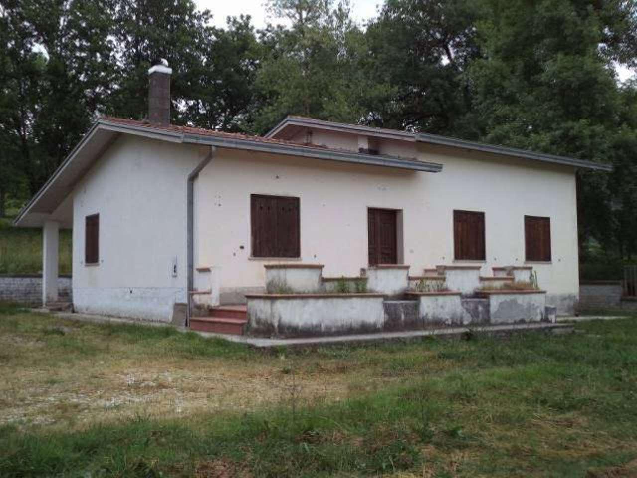 Villa in vendita a Arce, 3 locali, prezzo € 99.000 | CambioCasa.it