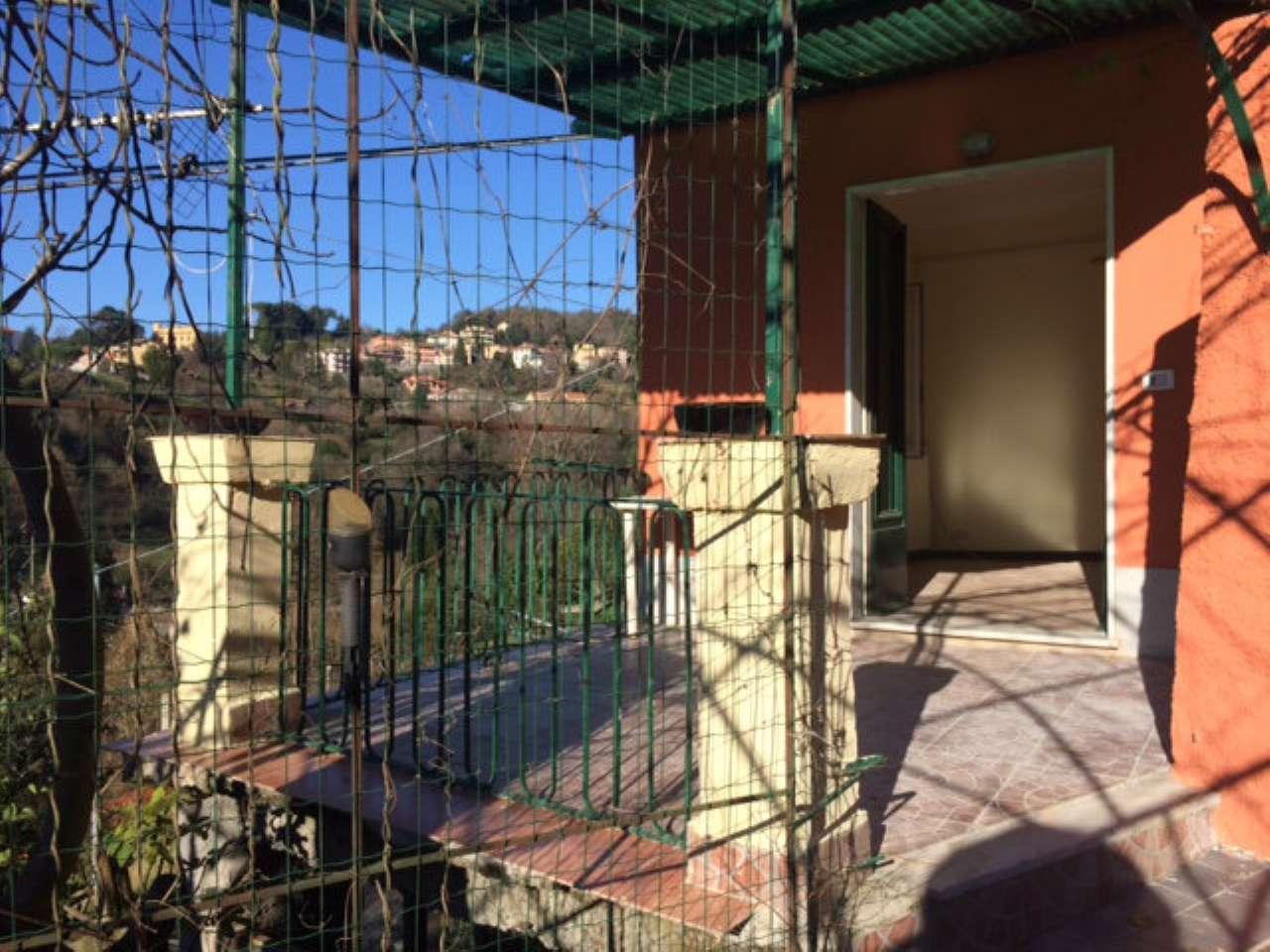 Appartamento in affitto a Campomorone, 6 locali, prezzo € 420 | PortaleAgenzieImmobiliari.it