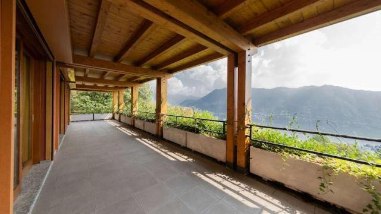Villa in vendita a Cernobbio, 5 locali, prezzo € 1.800.000 | CambioCasa.it