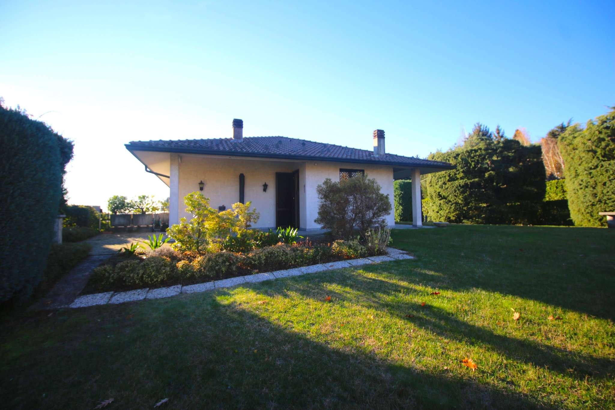 Villa in Vendita a Cucciago