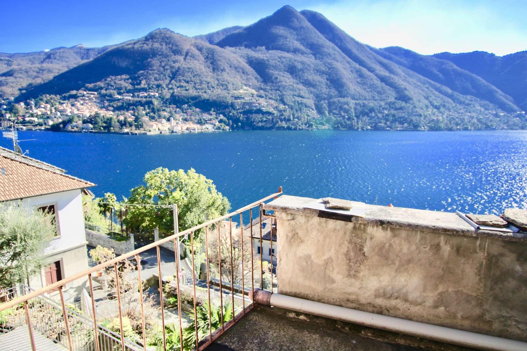 Rustico / Casale in vendita a Moltrasio, 4 locali, prezzo € 280.000 | CambioCasa.it