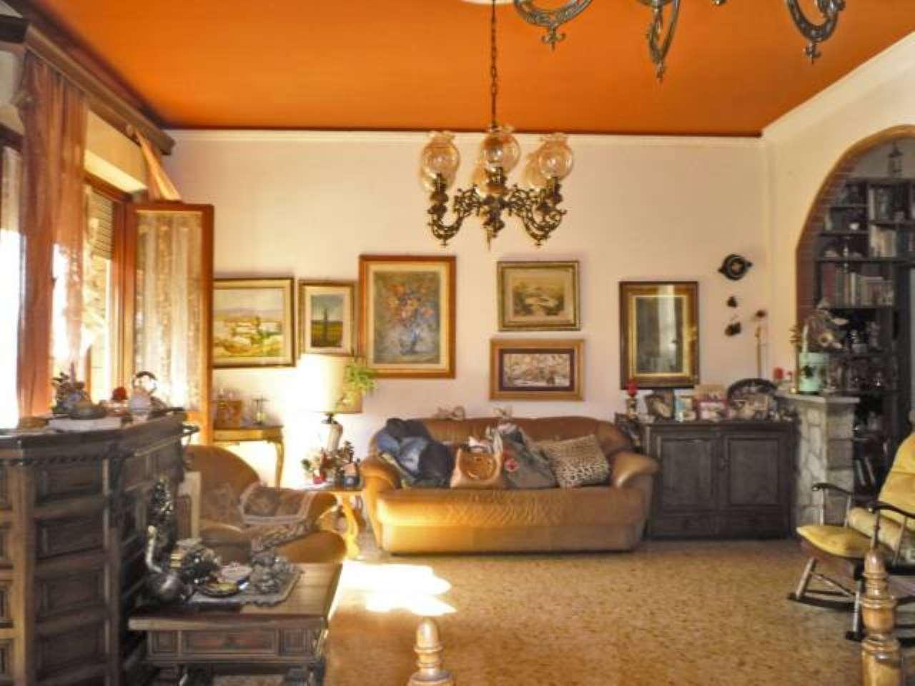 Appartamento in vendita a Scandicci, 4 locali, prezzo € 220.000 | CambioCasa.it