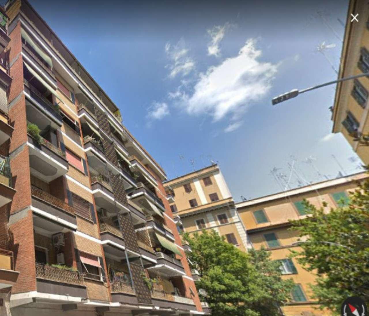 Appartamento in vendita a Roma, 4 locali, zona Zona: 10 . Pigneto, Largo Preneste, prezzo € 270.000 | CambioCasa.it