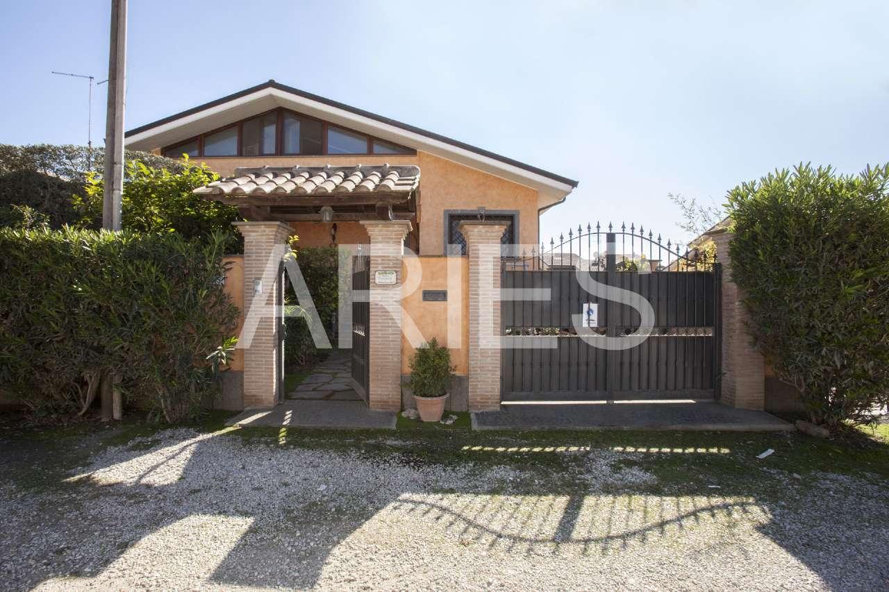 Villa Tri-Quadrifamiliare in vendita a Roma, 5 locali, zona Zona: 38 . Acilia, Vitinia, Infernetto, Axa, Casal Palocco, Madonnetta, prezzo € 395.000   CambioCasa.it