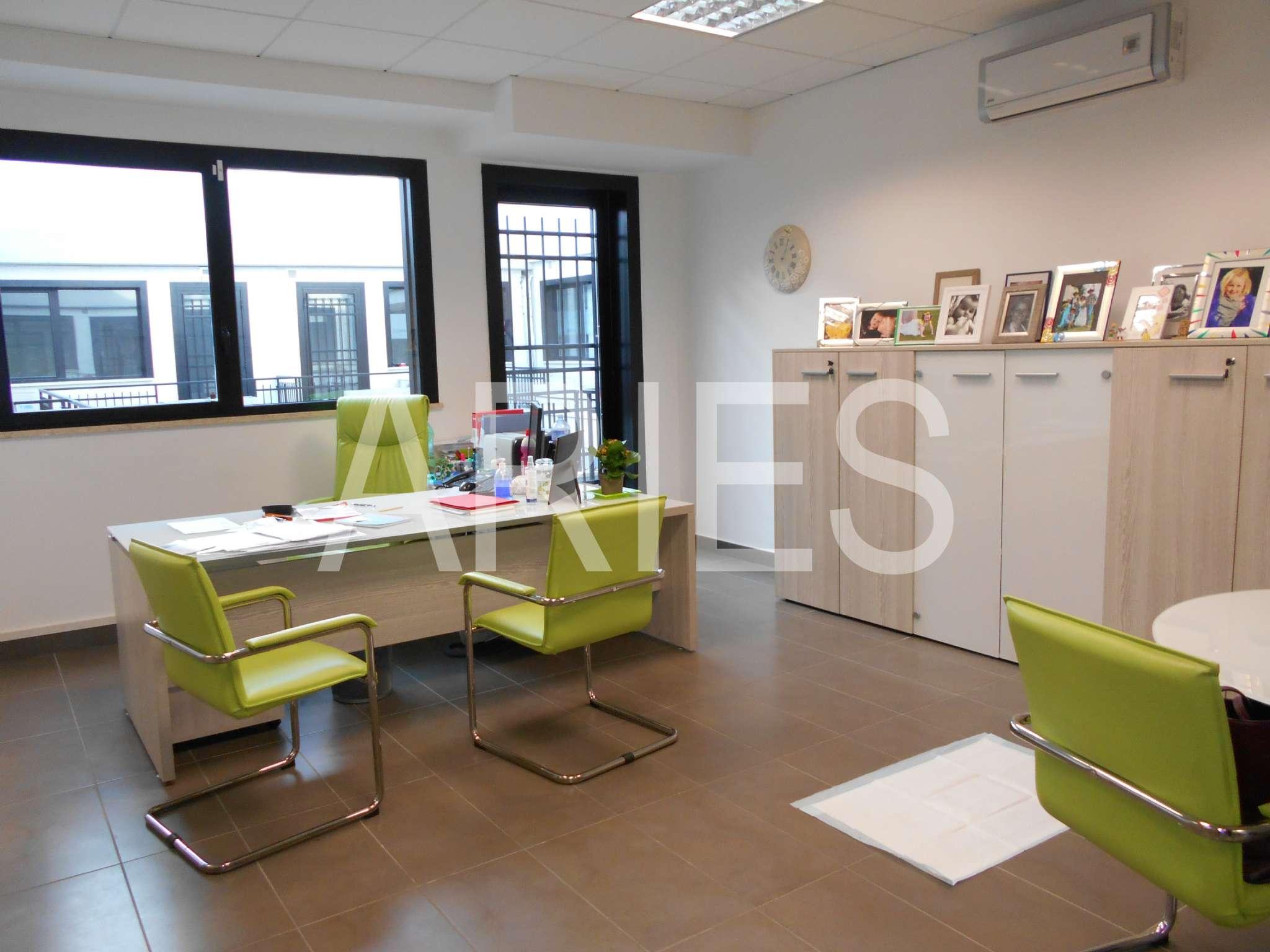 Ufficio / Studio in vendita a Formello, 7 locali, prezzo € 320.000   CambioCasa.it