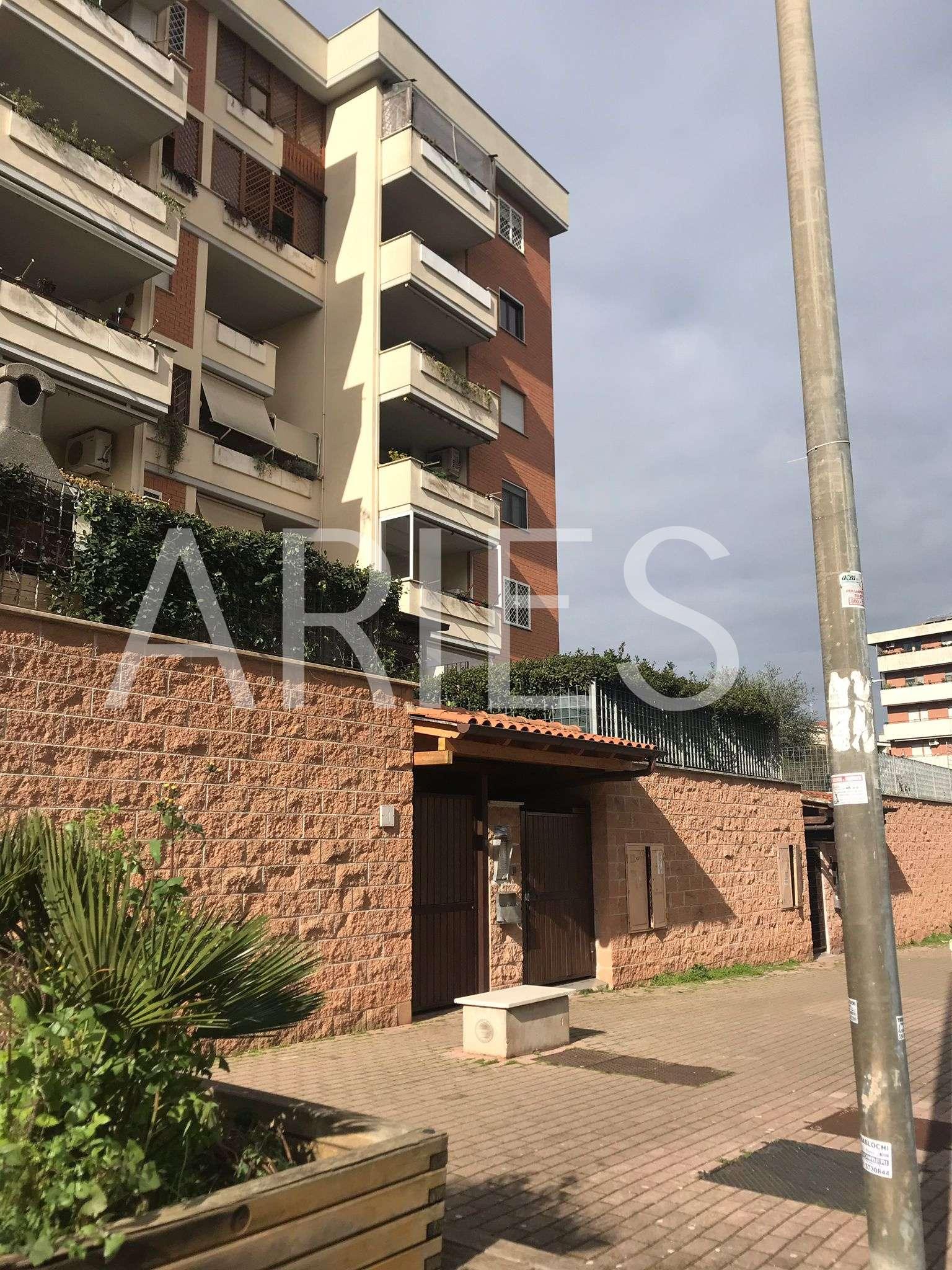 Appartamento in vendita a Roma, 3 locali, zona Zona: 21 . Laurentina, prezzo € 279.000 | CambioCasa.it