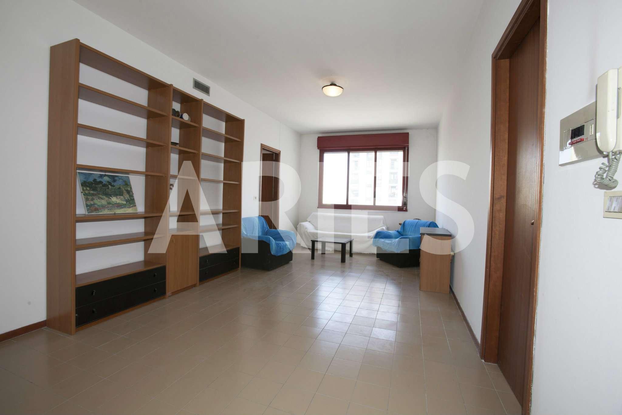 Appartamento in vendita a Roma, 4 locali, zona Zona: 21 . Laurentina, prezzo € 245.000 | CambioCasa.it