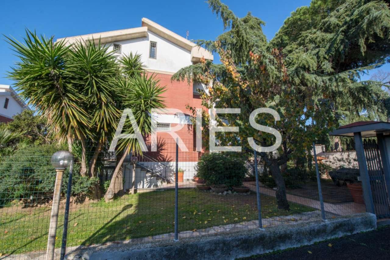 Villa Tri-Quadrifamiliare in vendita a Roma, 5 locali, zona Zona: 38 . Acilia, Vitinia, Infernetto, Axa, Casal Palocco, Madonnetta, prezzo € 485.000   CambioCasa.it