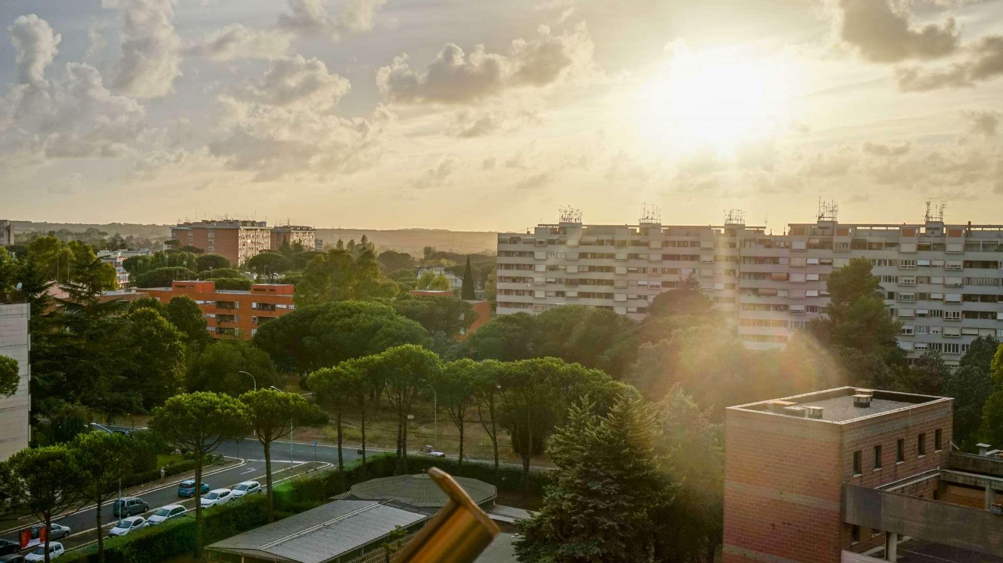 Appartamento in vendita a Roma, 4 locali, zona Zona: 21 . Laurentina, prezzo € 210.000 | CambioCasa.it