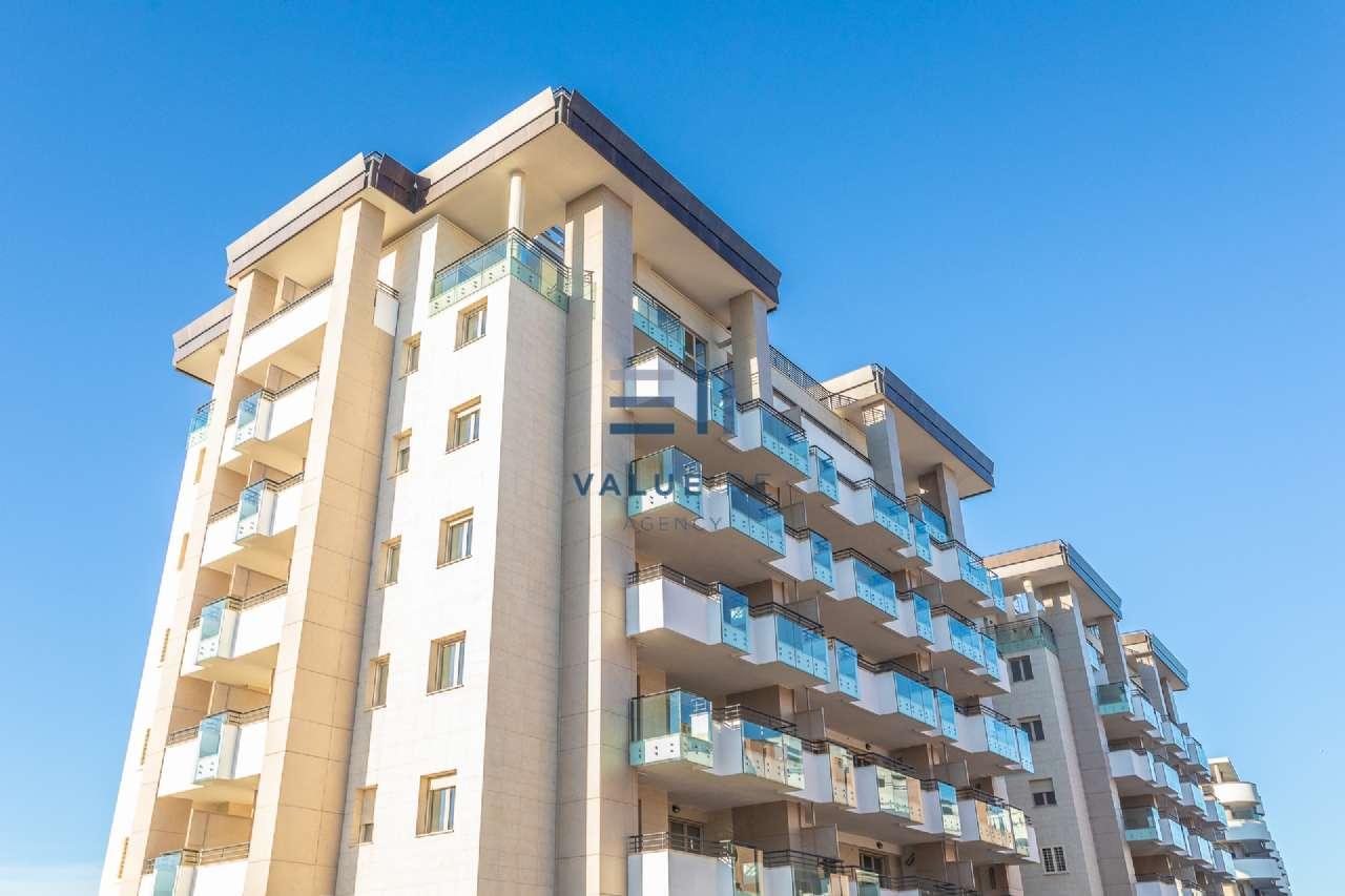 Appartamento in vendita a Roma, 3 locali, zona Zona: 18 . Ardeatino - Grotta Perfetta - Fonte Meravigliosa, prezzo € 371.500   CambioCasa.it