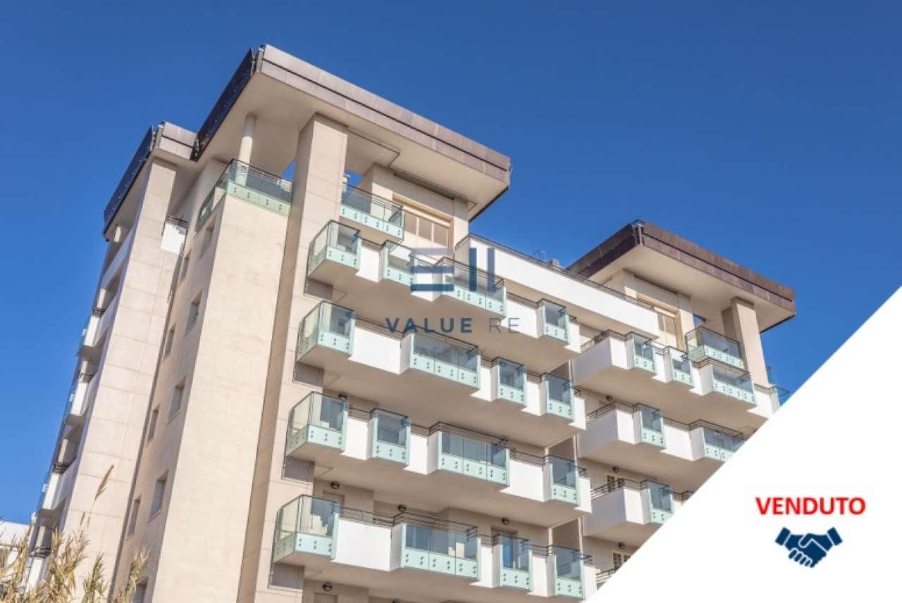 Appartamento in vendita a Roma, 4 locali, zona Zona: 18 . Ardeatino - Grotta Perfetta - Fonte Meravigliosa, prezzo € 484.500   CambioCasa.it