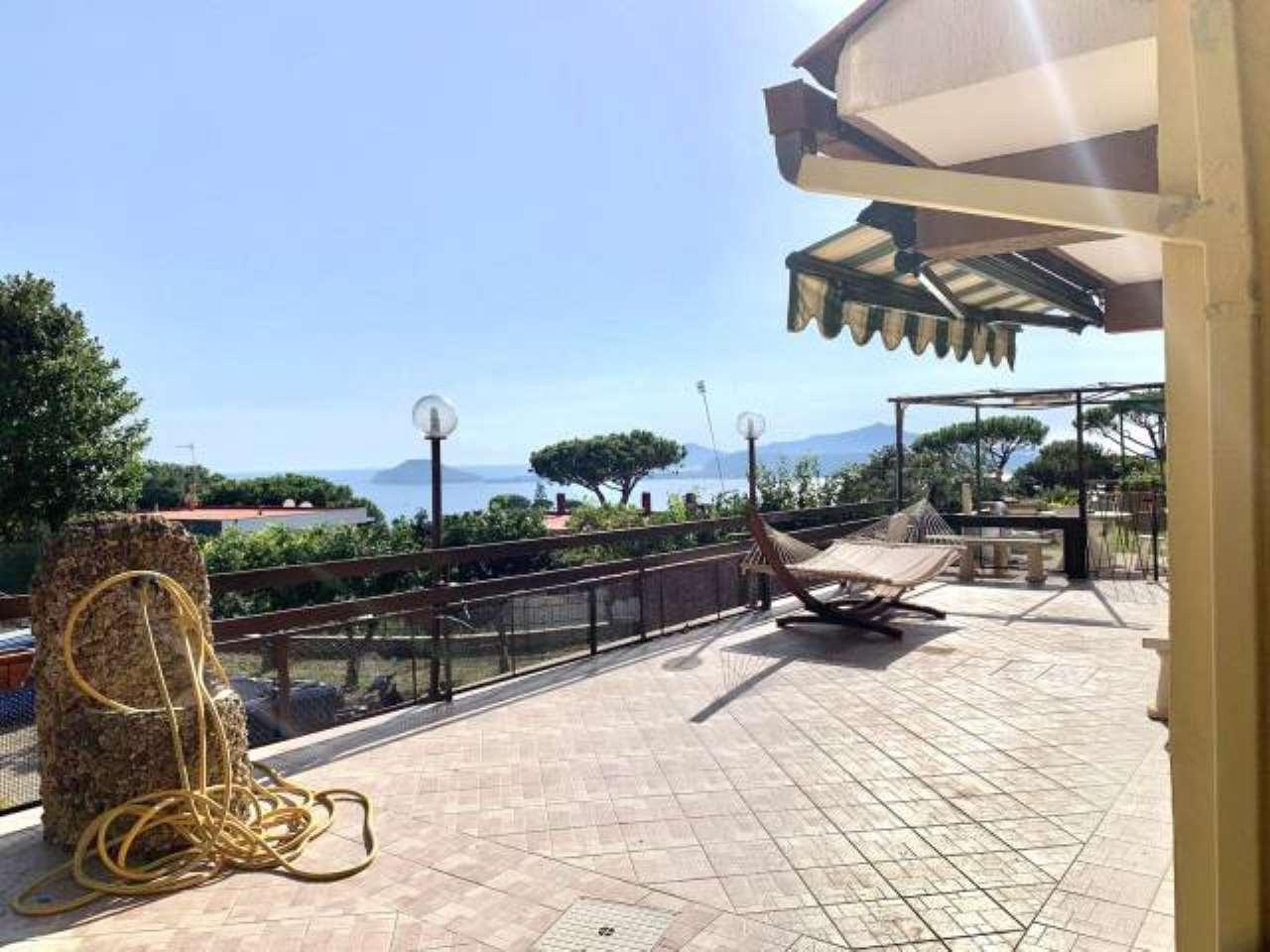 Appartamento in affitto a Pozzuoli, 4 locali, prezzo € 1.500 | CambioCasa.it