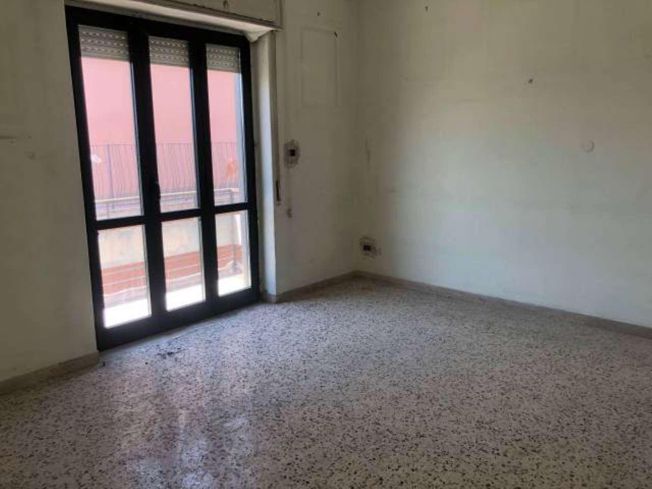 Appartamento in affitto a Pozzuoli, 3 locali, prezzo € 580 | CambioCasa.it