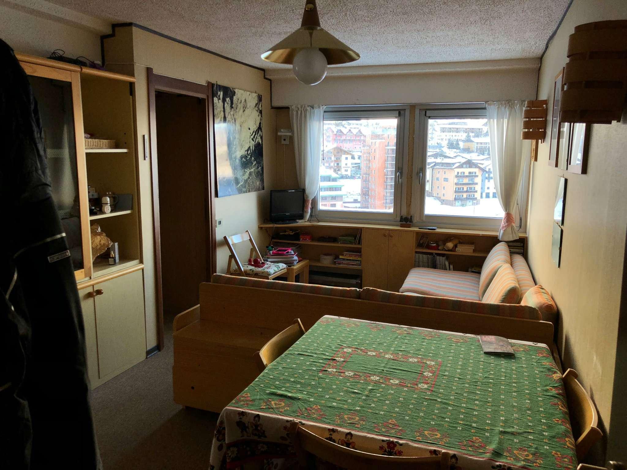 Appartamento in buone condizioni arredato in vendita Rif. 7215367