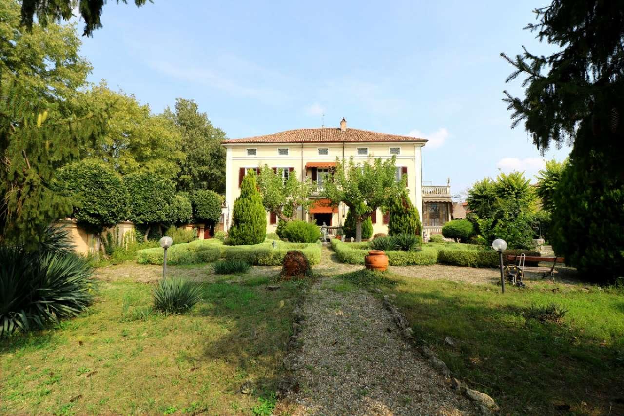 Villa in vendita a Casatisma, 10 locali, prezzo € 270.000 | CambioCasa.it