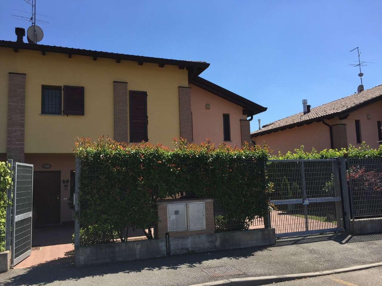 Villa Bifamiliare in vendita a Lacchiarella, 4 locali, prezzo € 325.000 | CambioCasa.it