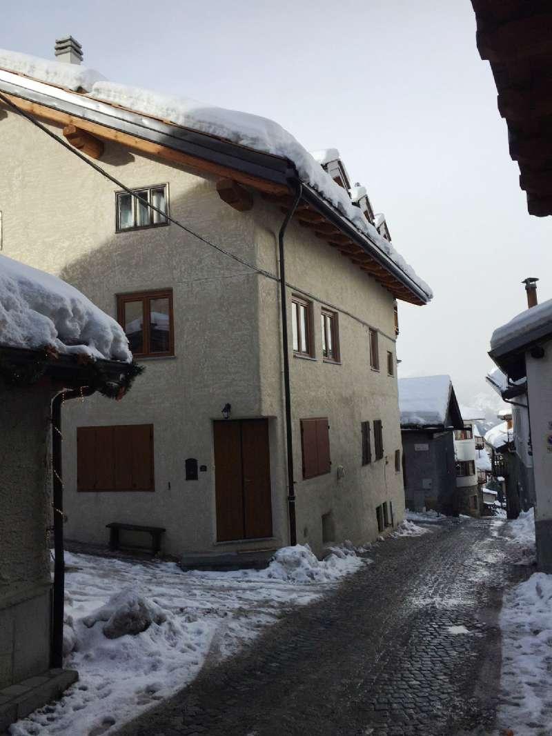 Appartamento in affitto a Sauze d'Oulx, 4 locali, prezzo € 1.500 | CambioCasa.it