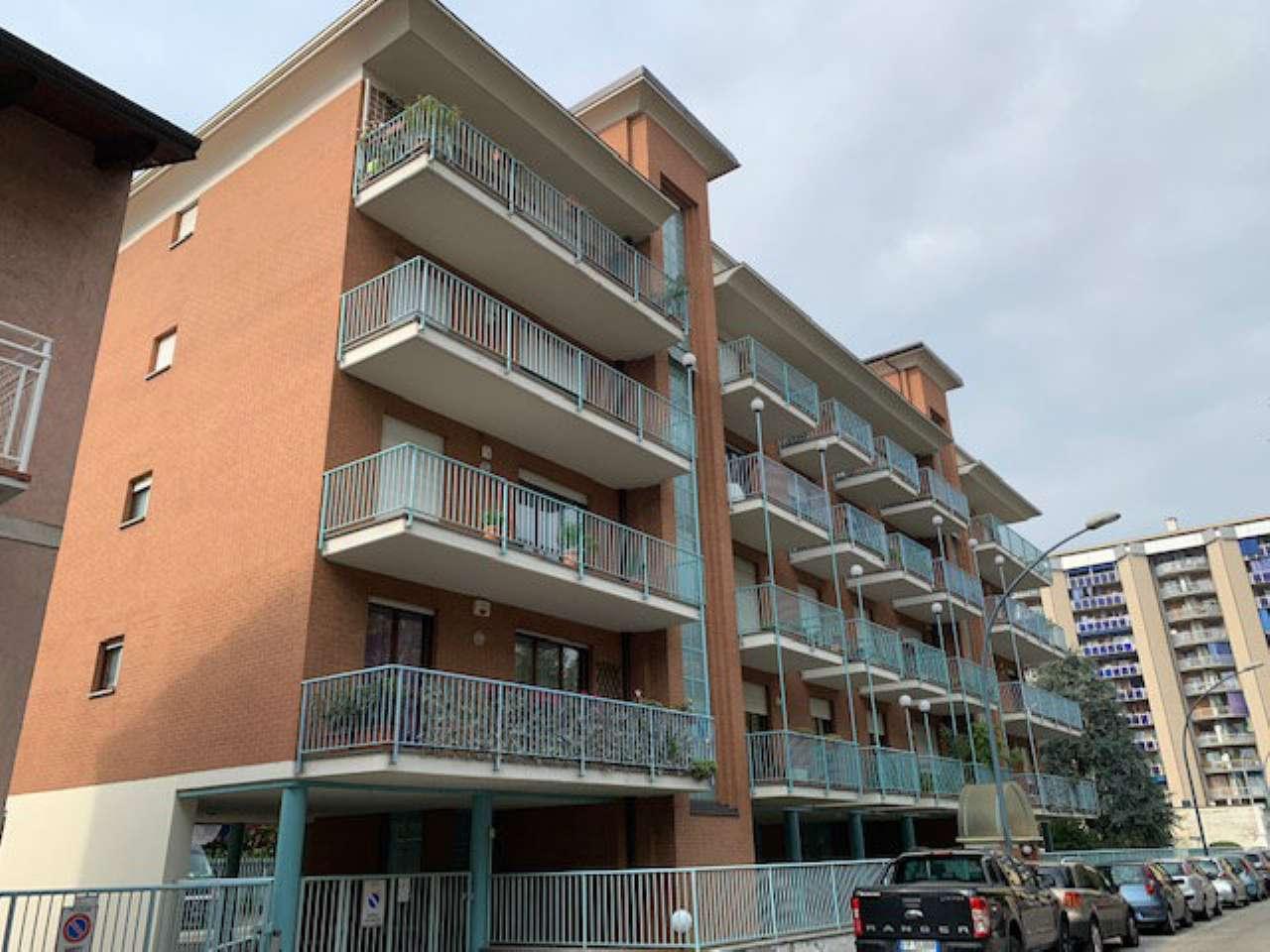 Appartamento in buone condizioni parzialmente arredato in affitto Rif. 8776569