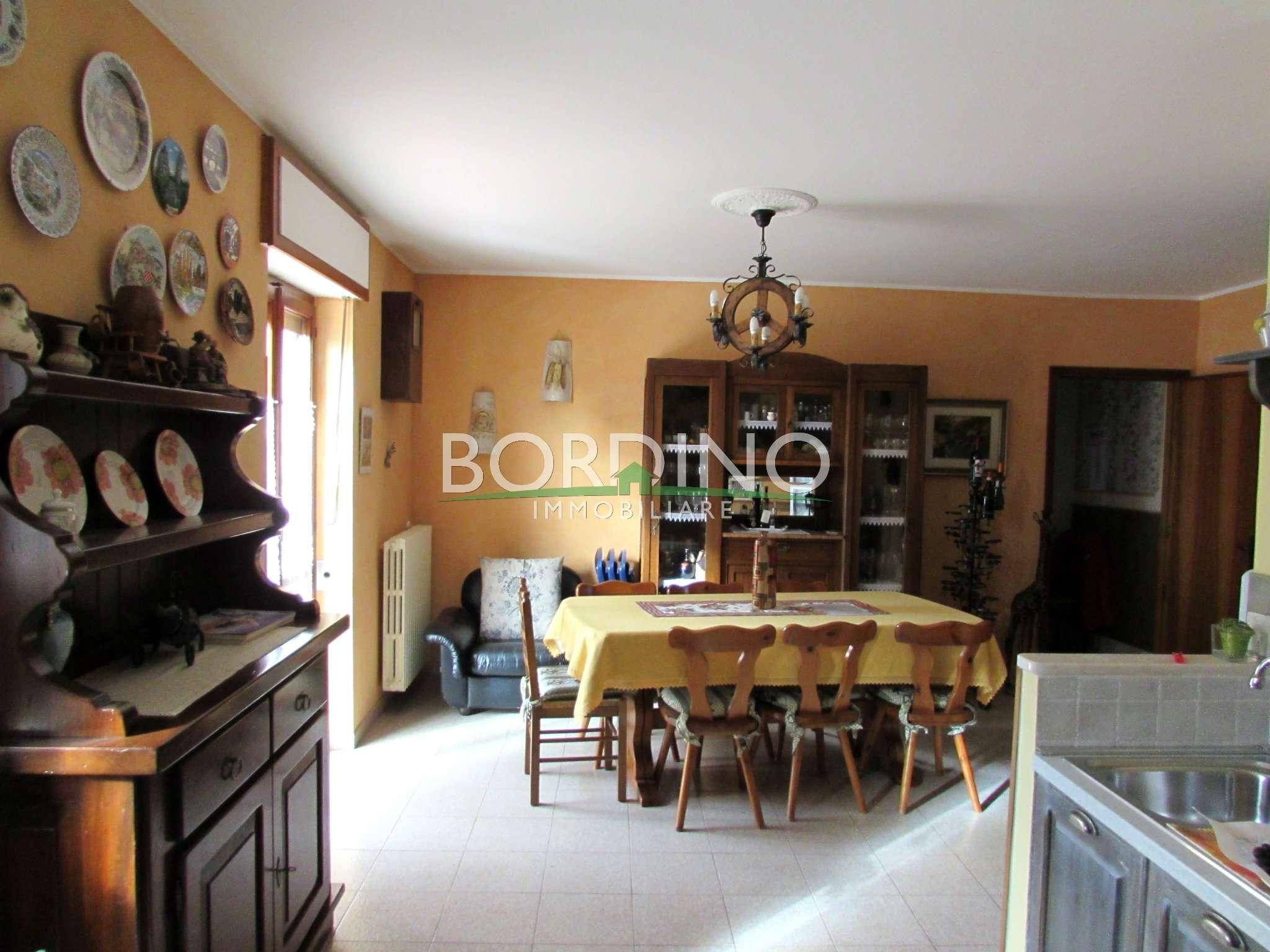 Soluzione Indipendente in vendita a Priocca, 7 locali, prezzo € 140.000 | CambioCasa.it