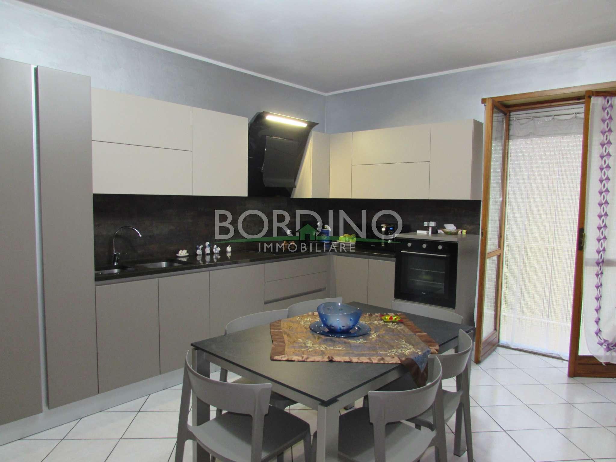 Appartamento in vendita a Castagnito, 3 locali, prezzo € 120.000 | CambioCasa.it