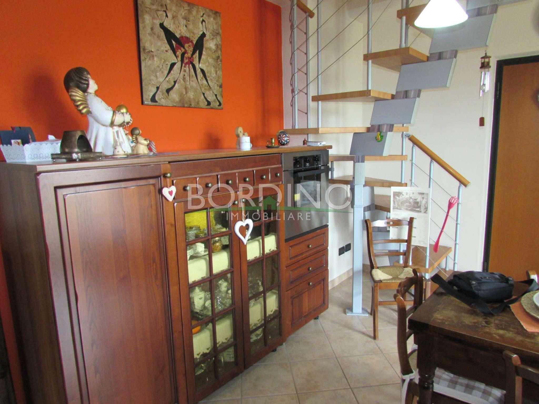 Appartamento in vendita a Castagnito, 4 locali, prezzo € 140.000 | CambioCasa.it